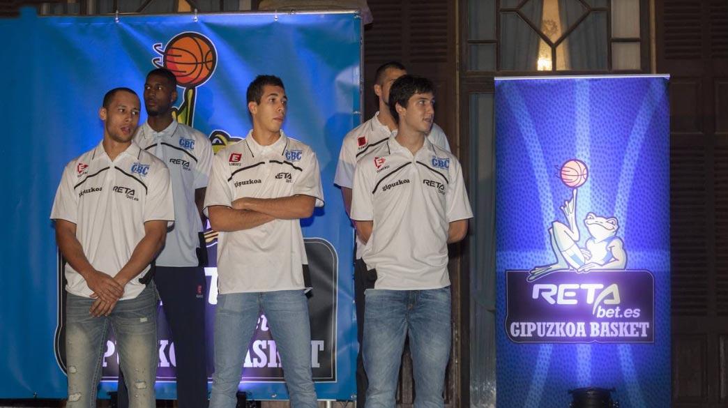 presentación equipo baloncesto gipuzkoa basket en donostia