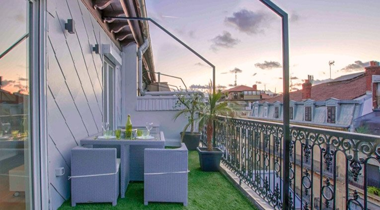 aticos con terraza en el centro de san sebastian