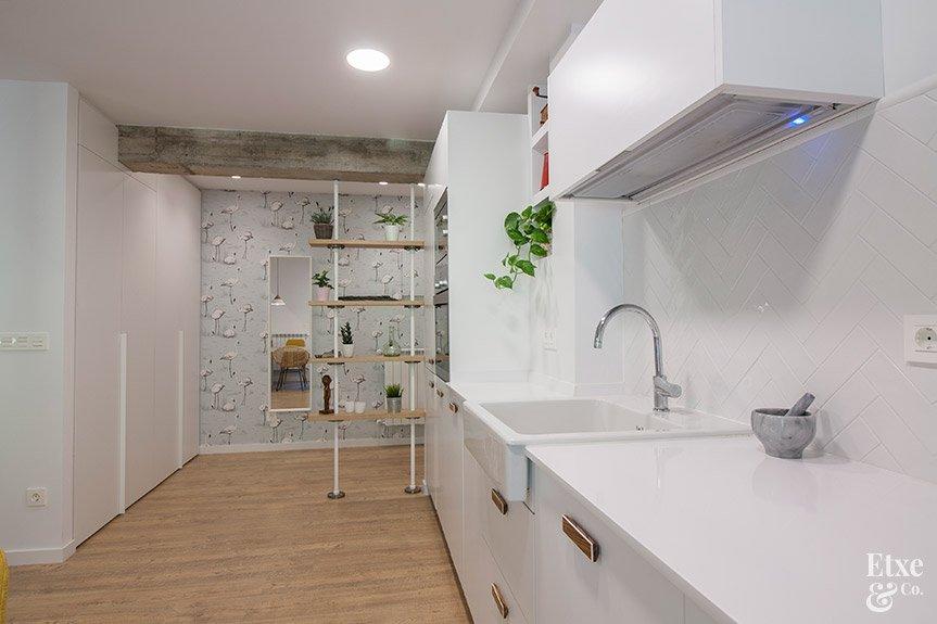 Reforma integral de la cocina en la vivienda de Egia, en San Sebastián.