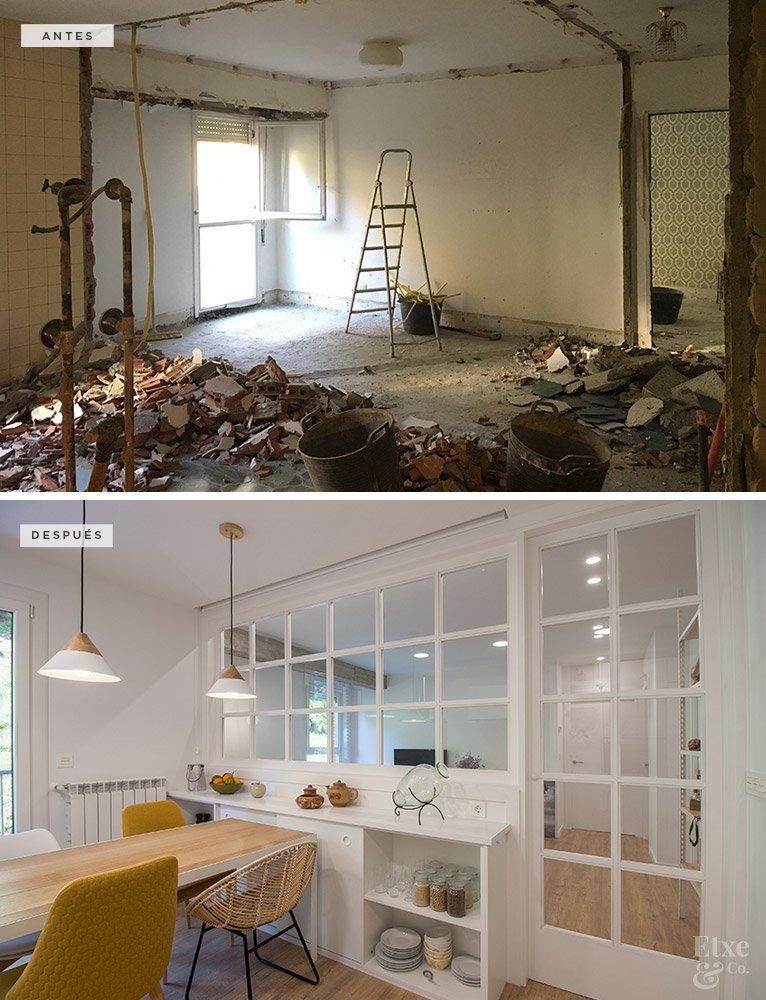 Pared de cristal que separa la cocina del salón en la vivienda de Egia, en San Sebastián.