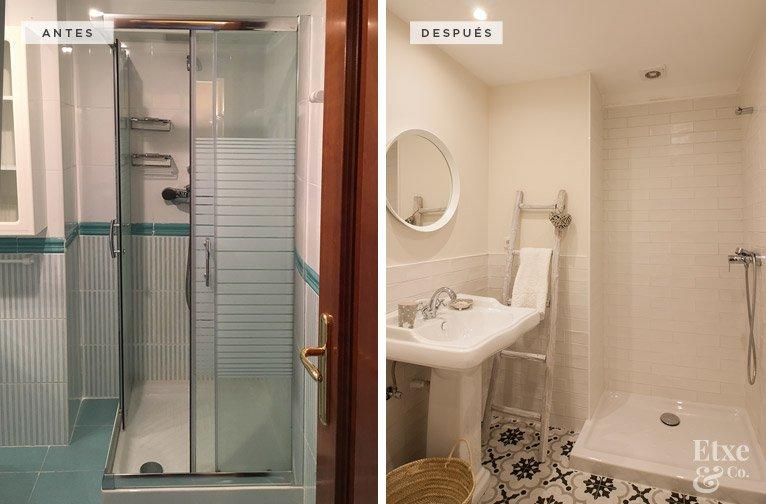Antes y después del baño en la vivienda de Bera Bera en San Sebastián.