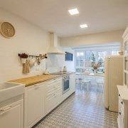 Reforma integral de la cocina en la vivienda de Bera Bera en San Sebastián.